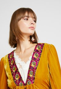 Free People - WANDERLUST JACKET - Giacca leggera - gold - 3