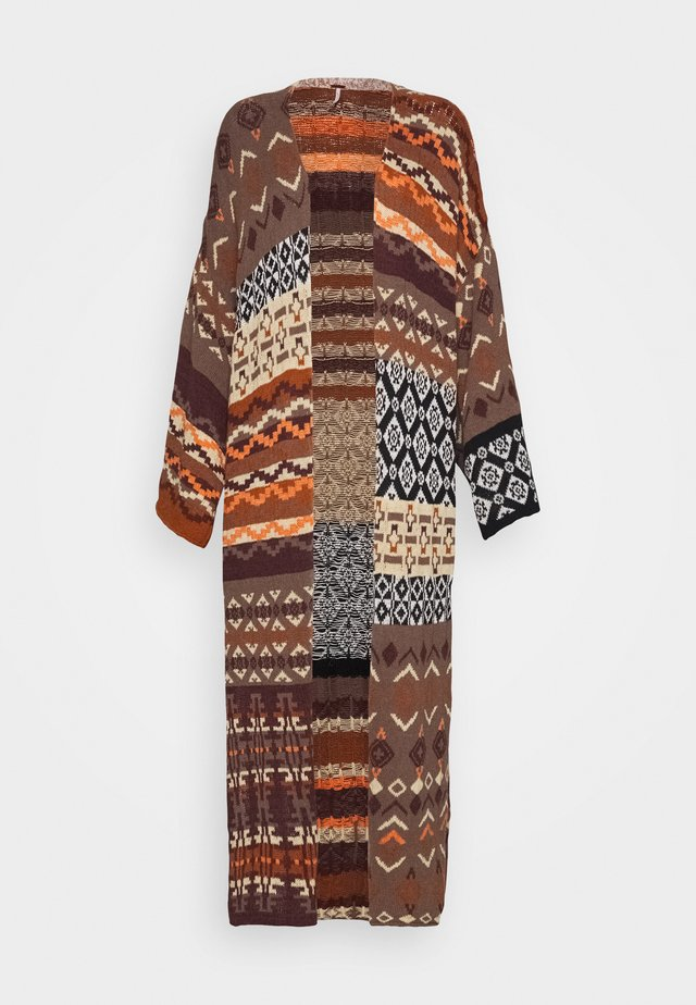 LANDMARK CARDI - Kardigan - light brown