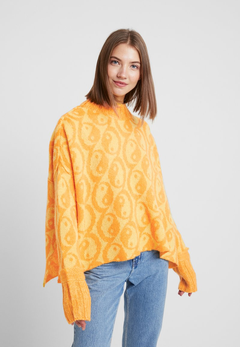 Free People - YIN YANG SWEATER - Jersey de punto - yellow