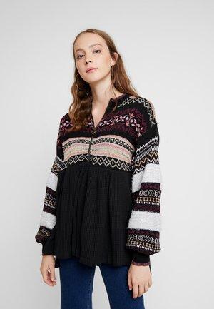 COZY CABIN SWEATER - Sweter - black