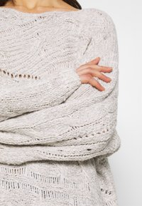 Free People - AGAINST THE TIDE SWEATER - Sweter - white - 5