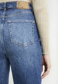 Free People - STRAIGHT SLOUCH - Džíny Relaxed Fit - indigo blue - 5