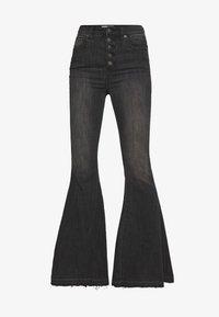 Free People - IRREPLACEABLE FLARE - Jeans a zampa - black - 4