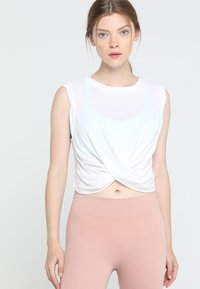 Free People - FP MOVEMENT UNDERTOW TANK - Top - white - 0