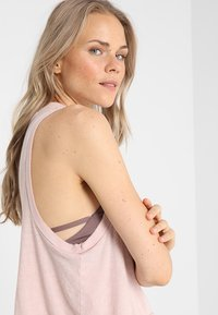 Free People - LOVE TANK - Topper - taupe - 4