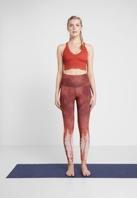 Free People - FP MOVEMENT BOXER CAMI - Toppi - red - 1
