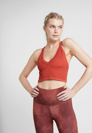 FP MOVEMENT BOXER CAMI - Toppi - red