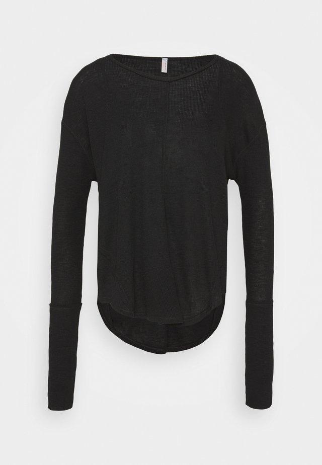LAY UP TEE - T-shirt basic - black