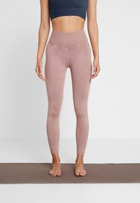 Free People - FP MOVEMENT HIGH RISE SHANTI LEGGING - Trikoot - taupe - 0