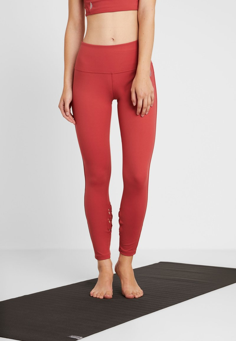 Free People - REVELATION LEGGING - Tights - red