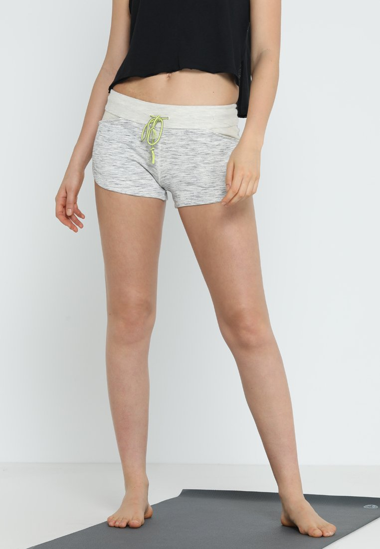 Free People - GO GETTER SHORT - Pantalón corto de deporte - grey combo