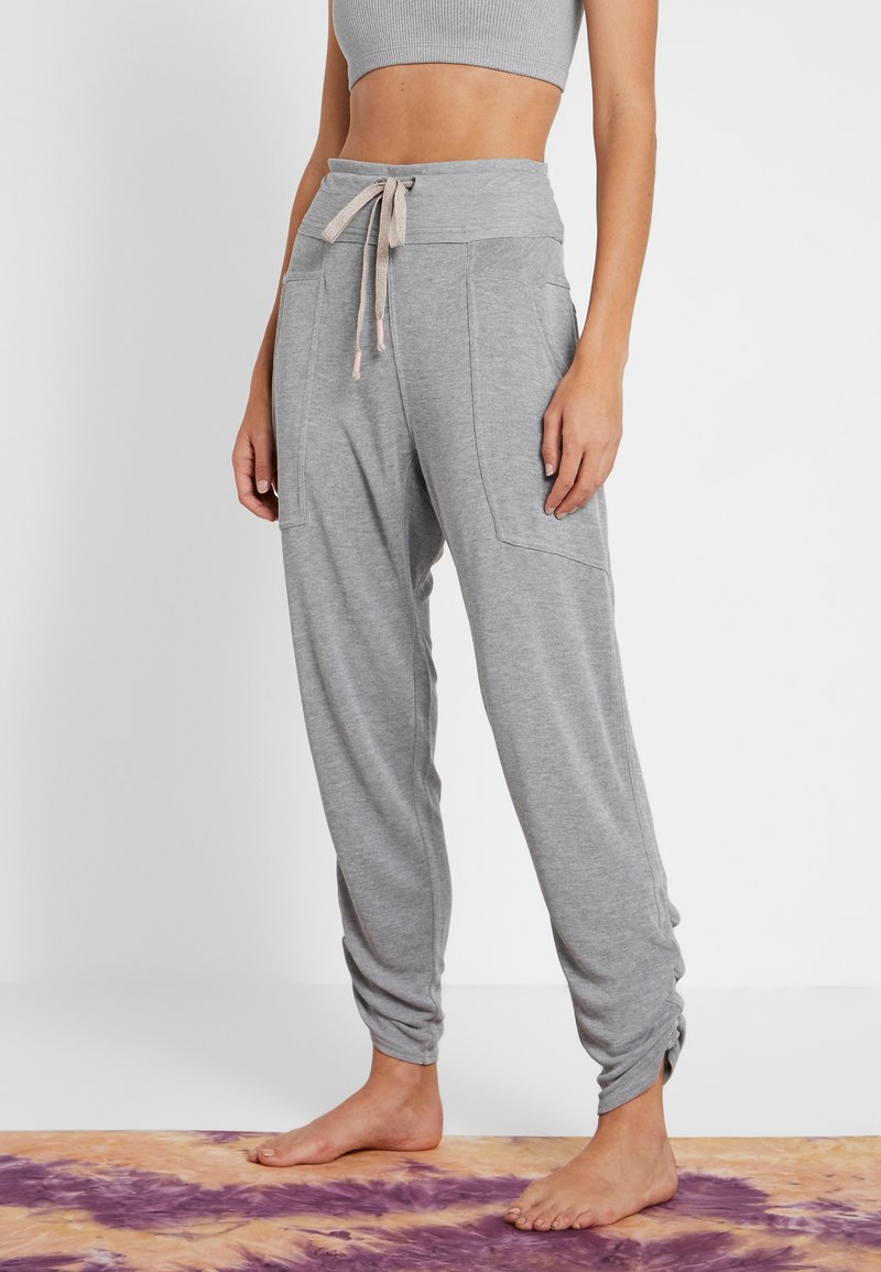 Free People - READY TO GO PANT - Tracksuit bottoms - grey