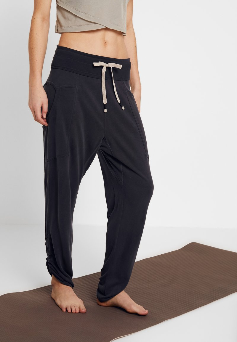 Free People - FP MOVEMENT READY TO GO PANT - Joggebukse - black