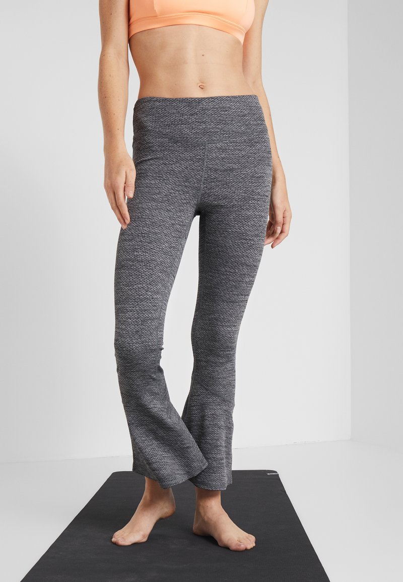 Free People - OFF THE GRID LEGGING - Spodnie materiałowe - graphite