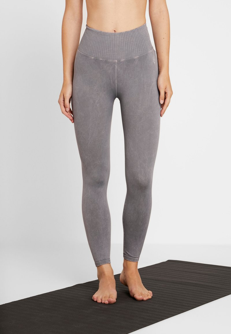 Free People - GOOD KARMA LEGGING - Legginsy - light purple