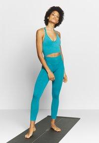 Free People - GOOD KARMA LEGGING - Tights - turquoise - 1