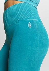 Free People - GOOD KARMA LEGGING - Tights - turquoise - 4