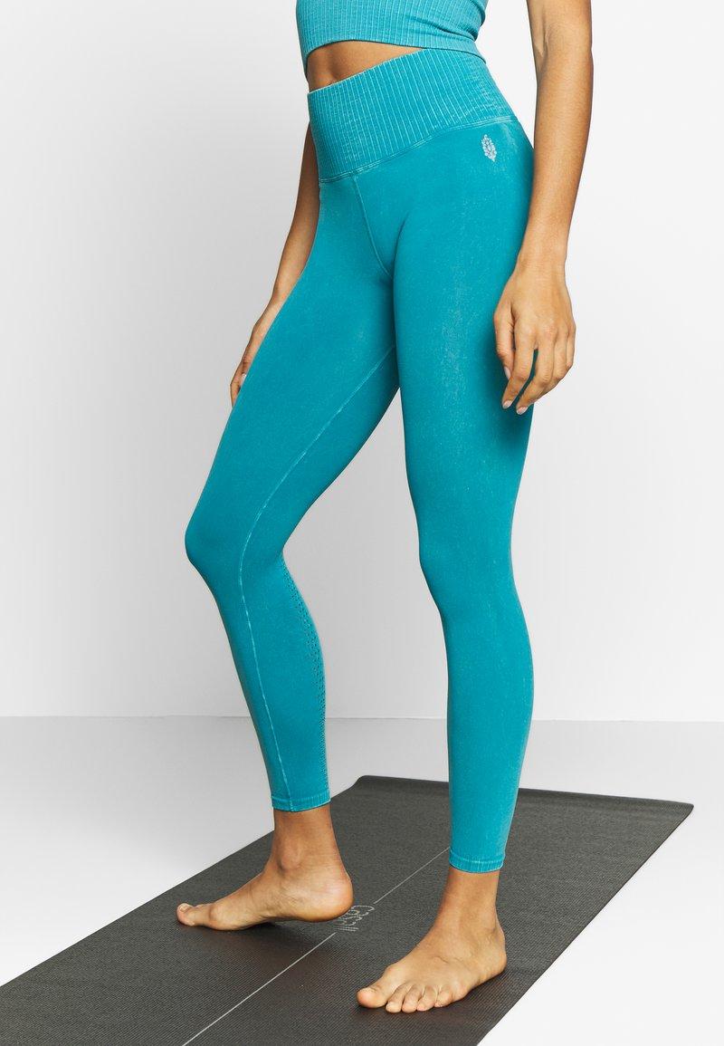 Free People - GOOD KARMA LEGGING - Tights - turquoise