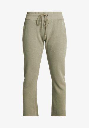 FP MOVEMENT REYES SWEAT PANT - Pantalon de survêtement - army