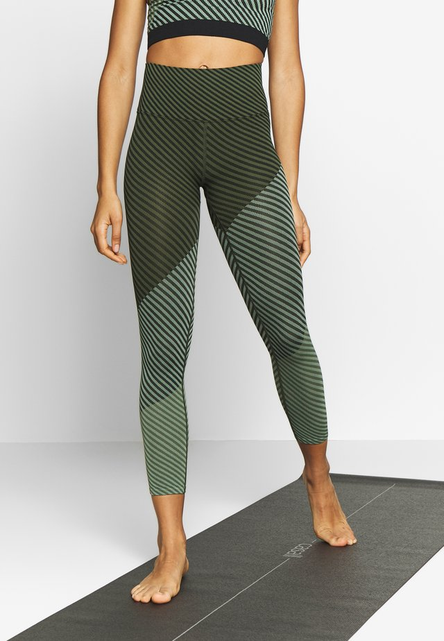 FINDERS KEEPERS LEGGING - Trikoot - green