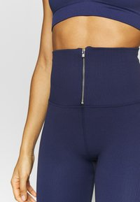 Free People - PART OF ME BIKESHORT - Punčochy - navy - 3
