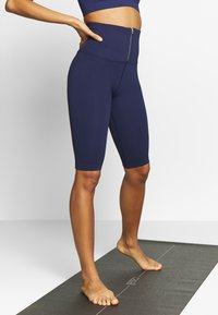 Free People - PART OF ME BIKESHORT - Punčochy - navy - 0