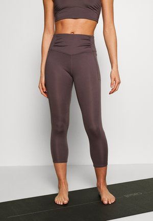 BREATHE EASY LEGGING - Punčochy - dark purple