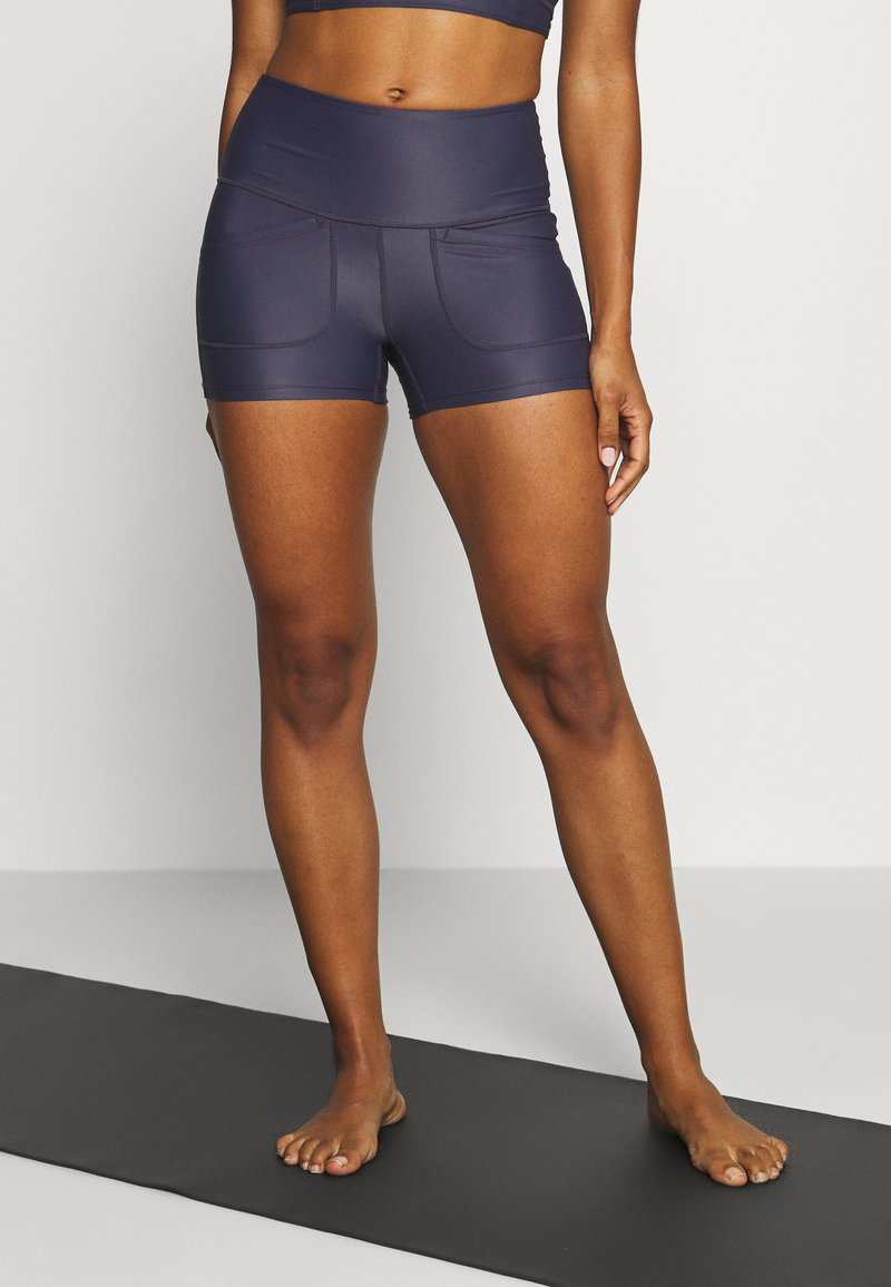 Free People - SOLID WHITE WATER SHORT - Punčochy - navy