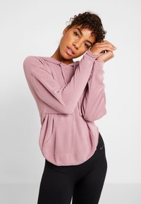 Free People - FP MOVEMENT BACK INTO IT HOODIE - Mikina s kapucí - pink - 0