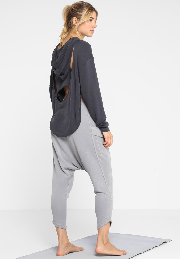 Free People - FP MOVEMENT BACK INTO IT HOODIE - Mikina s kapucí - black