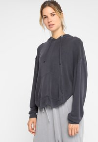 Free People - FP MOVEMENT BACK INTO IT HOODIE - Mikina s kapucí - black - 2