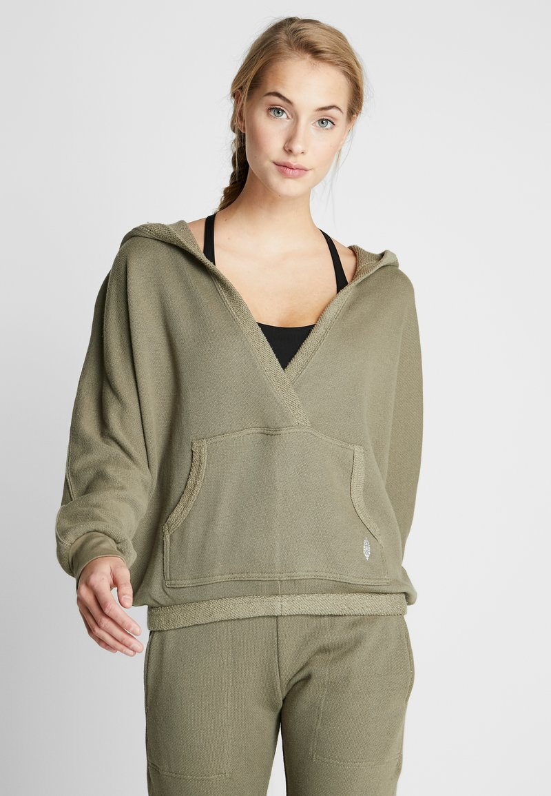 Free People - FP MOVEMENT REYES HOODIE SOLID - Sweat à capuche - army