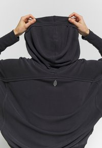 Free People - READY GO HOODIE - Hoodie - black - 5