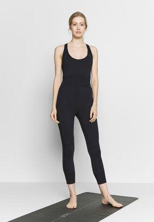 FIRST PLACE ONESIE - Mono deportivo - black
