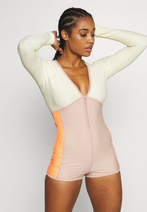 TAKE A PLUNGE SURF SUIT - Chándal - rose dust