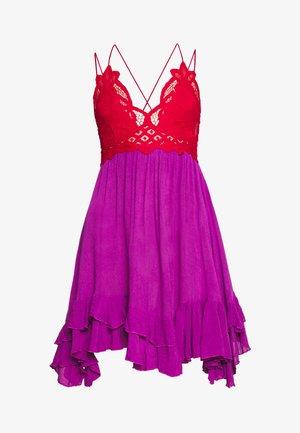 ADELLA SLIP - Vestido informal - red