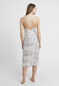Free People - CHASING SHADOWS SLIP - Nachthemd - grey - 2