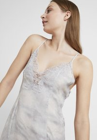 Free People - CHASING SHADOWS SLIP - Nachthemd - grey - 3