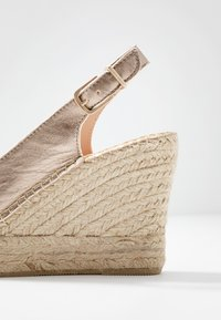 Fred de la Bretoniere - High heeled sandals - light gold - 2