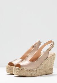 Fred de la Bretoniere - High heeled sandals - light gold - 4