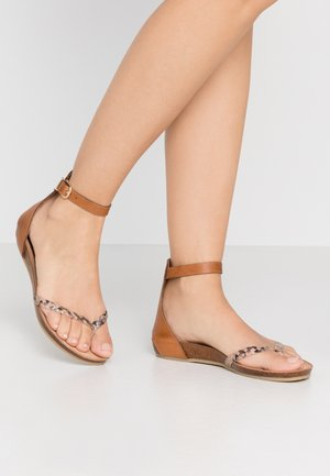 T-bar sandals - multicolor/rose
