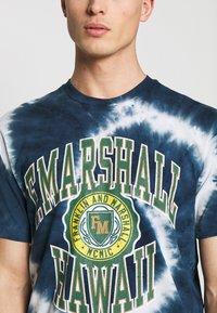 Franklin & Marshall - T-shirt med print - navy - 4