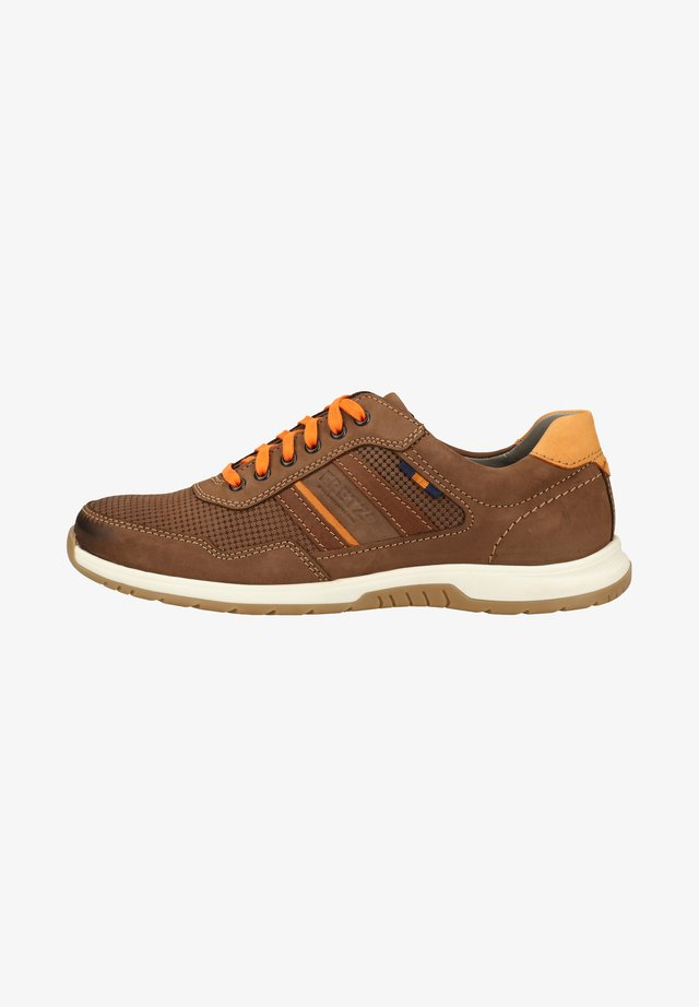 FRETZ MEN SNEAKER - Trainers - brown