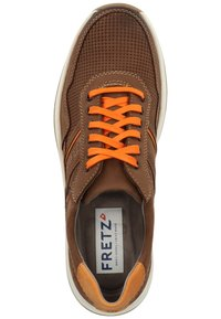 Fretz Men - FRETZ MEN SNEAKER - Sneakers - brown - 1