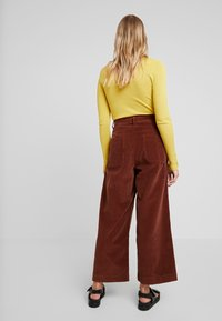 French Connection - MANZU WIDE LEG TROUSERS - Trousers - casablanca - 3