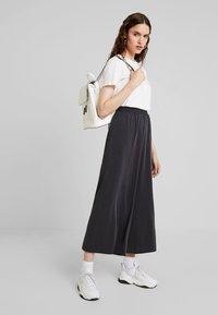 French Connection - RENYA CUPRO CULOTTES - Trousers - black - 1