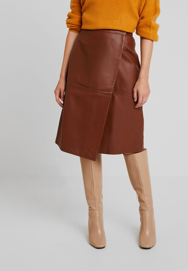 French Connection - ABRI KNEE LENGTH SKIRT - Áčková sukně - casablanca