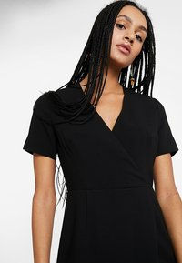 French Connection - WHISPER RUTH WRAP DRESS - Shift dress - black - 4