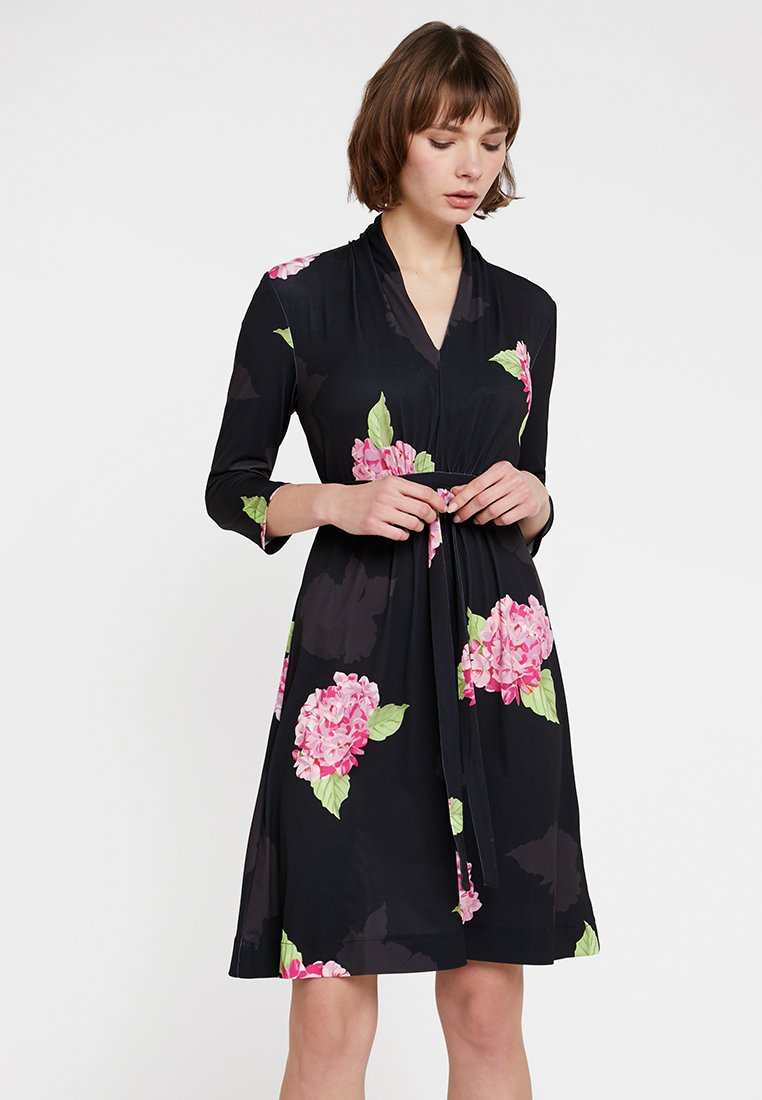 French Connection - ELEONORE SLINKY DRSS - Jerseykleid - black/multi