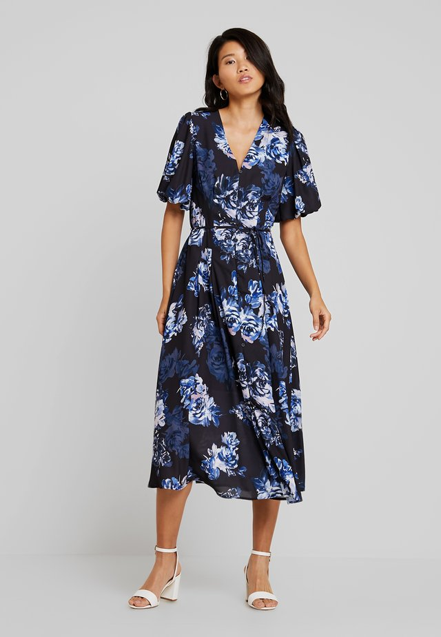 CATERINA DOWN - Robe longue - utility blue multi